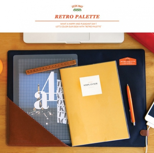 Retro palette desk mat
